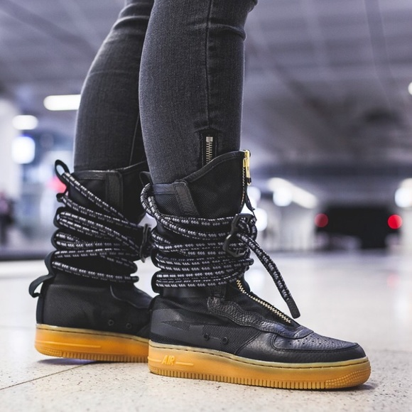 100% authentic bbe3f 6d425 NWT Nike W SF AF1 Air Force 1 HI Special Field, 10